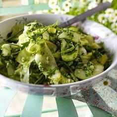 Zucchinisalat und Brokkoli-Pesto Rezept | LECKER