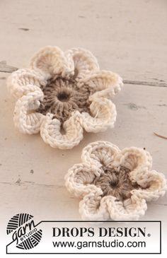 Free pattern: Crochet flowers ✿⊱╮Teresa Restegui http://www.pinterest.com/teretegui/✿⊱╮