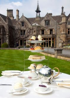 TEA TIME:The Manor House Castle Combe, Cotswolds, UK - Best Country Houses for Afternoon Tea (Manor House afternoon tea) Afternoon Tea At Home, Afternoon Tea Parties, Afternoon Tea London, Castle Combe, Chocolate Caliente, English Manor, My Cup Of Tea, Jolie Photo, Cool Countries