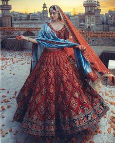 World Of Diva'ni Couture: Unfolding The Charm Of Old-World Fashion! World Of Diva'ni Couture: Unfolding The Charm Of Old-World Fashion! Indian Bridal Outfits, Indian Bridal Fashion, Indian Bridal Wear, Indian Designer Outfits, Indian Bridal Couture, Indian Wear, Desi Wedding Dresses, Pakistani Bridal Dresses, Indian Bridal Lehenga