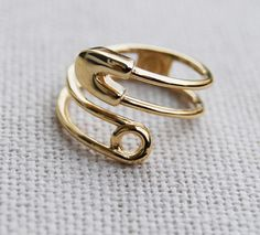 this vintage diaper pin-inspired ring would make a perfect push present, no?