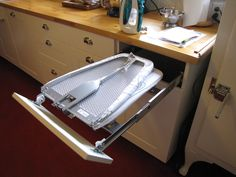 Tutte le dimensioni |Built-in ironing board in kitchen | Flickr – Condivisione di foto!