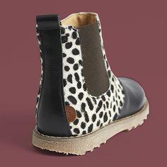 """Kids-world.dk op Instagram: """"Skønne Move By Melton støvler - Både alm støvler og Tex støvler er netop landet i sortimentet.... Denne fine sag er blandt ordrefavoritterne pt #kidsworlddk #melton #movebymelton #støvler #kids #fashion #girls #footwear #fodtøj #leopard"""""""
