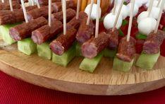 Koreczki, przekąski i przystawki. Imprezowe hity! - Blog z apetytem Tortellini, Food Art, Asparagus, Food And Drink, Menu, Snacks, Vegetables, Blog, Party Time