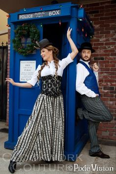 Steampunk Wil and Anne Wheaton with a Christmas-bedecked TARDIS