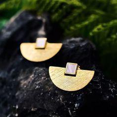 Main Stone: Aventurine Metals Type: Silver Metal Stamp: Fine or Fashion: Fine Earring Type: Stud Earrings Metal Stamp: Keep Jewelry, Simple Jewelry, Fine Jewelry, Women Jewelry, India Jewelry, Jewelry Box, Jewellery, Gold Drop Earrings, Sterling Silver Earrings Studs