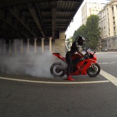 Burn out! Kawasaki Ninja Motorrad + Biker Babe Tanechka Ozolina – Burn out! Kawasaki Ninja motorcycle + biker babe Tanechka Ozolina – out - Motos Kawasaki, Kawasaki Ninja Zx6r, Kawasaki Motorcycles, Biker Chick, Biker Girl, Motorbike Girl, Motorcycle Babe, Dirt Bike Girl, Sportbikes