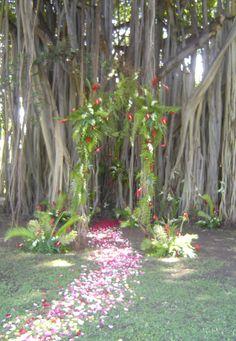 Hawaiian Wedding theme trellis