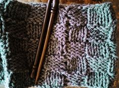 Teje un cuello infinito fácil y rápido con dos agujas | Soy Woolly Crochet Patterns, Knitting, Ideas, Beret, Molde, Knitting Videos, Knitting Scarves, Tricot, Crochet Pattern