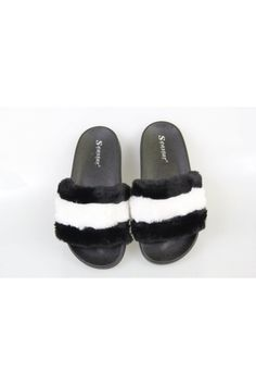 Čiernobiele papuče s kožušinou Fur Slides, Adidas, Sandals, Shoes, Fashion, Moda, Shoes Sandals, Zapatos, Shoes Outlet
