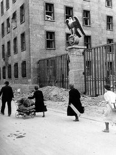 70 Jahre Kriegsende 1945 in Berlin – 2015 nachfotografiert – ullstein bild blog