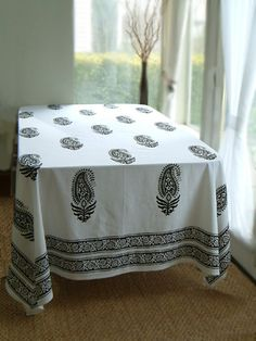 1000 Images About Tablecloths On Pinterest Skirted