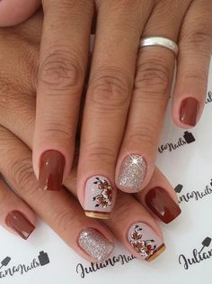 Posted by Brusilla Gorgeous Nails, Love Nails, Fun Nails, Pretty Nails, Shellac Nails, Manicure And Pedicure, Acrylic Nails, Maroon Nails, Vernis Semi Permanent