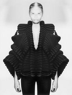 Pleats, fabric treatment, fabric manipulation, couture details, gathering, layering, draping. Knitwear, knitwear design. Sandra Backlund