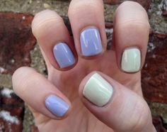 two-toned mani