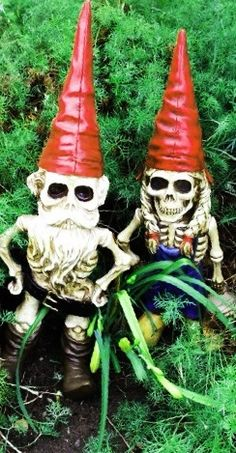Halloween Gnomes mixed with Dia De Los Muertes. Cute!