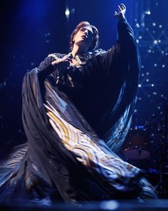 Lovely dress modeled by the lovely and talented Florence Welch (aka Florence + the Machine)