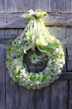 Wianek wielkanocny biało-zielony-dekoracje wielkanocne,ozdoby na Wielkanoc