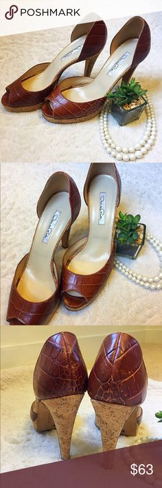 Oscar De La Renta D'Orsay Croc Print Heels Beautiful d'orsay style heel featuring cricket print leather upper and cork heel/sole. Heels are in perfect condition and light wear on bottom sole. A great designer piece and a perfect pair of heels for spring!! Oscar de la Renta Shoes Heels
