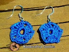 Crochet pentagon earrings - pinned by pin4etsy.com