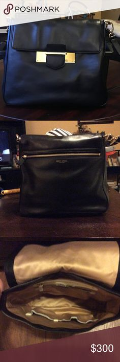 Henri Bendel cross body bag New never used HB crossbody. Excellent condition. No scratches or tears. Comes with dust bag. henri bendel Bags Crossbody Bags