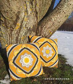 In bloom cushion free crochet pattern