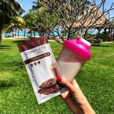 Buy Complete by Juice Plus+ nutrition bars variety pack to sample our flavors. This wholesome beverage provides balanced nutrition in a scoop. Healthy Drinks, Healthy Snacks, Healthy Recipes, Eating Healthy, Juice Plus Vitamins, Juice Plus Berry Capsules, Juice Plus Company, Shake, Juice Plus Complete