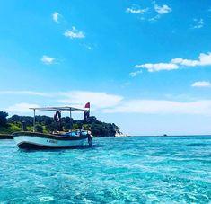 İzmir'in Dikili İlçesini bilenler bilir. Dünya'nın en güzel denizlerinden birine sahiptir. Geçen hafta ziyaretim sırasında, daha da keyif aldığımı hissettim buralardan. Bir çok koyu maldivlere benzetilir. Hele ki garip adası ve kalem adası arasında mercan kayalıkları muhteşem bir görüntü sergiler. Güne bu manzarayla başlayalım dedik. Dikili'de temiz bir konaklama önerisi @lilabutikhotel , sahile 150 mt mesafede. www.kucukoteller.com.tr/lila-hotel-dikili 📞 0532-4377517