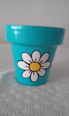 Paint Garden Pots, Painted Plant Pots, Painted Flower Pots, Painted Jars, Clay Pot Projects, Clay Pot Crafts, Dyi Crafts, Popsicle Stick Crafts For Kids, Craft Stick Crafts