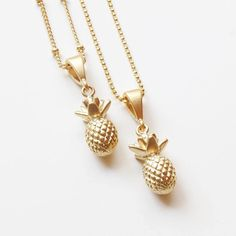 W A N T   #Repost @etsyhunter  @sweetheartjewelrybox oh my days! these pineapples necklaces  Buy From: @sweetheartjewelrybox  #sweetheartjewelrybox #etsyhunter #handmade #etsy #ootd #pineapple #pineapples #fruity #necklace #jewellery #drinkoriginal #original #harrogate by harrogatespring