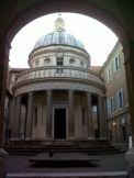 """SILVIA FAU: Roma, fuente inagotable de sorpresas. A pesar de que este verano Roma esta siendo para los miles de visitantes, un momento algo """"desencantador"""" por sus numerosas restauraciones, Roma siempre es una buena opción, es como una fuente inagotable de sorpresas. ..(sigue)"""