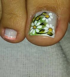 Different outlook on Pedicure Toe Nail Color, Toe Nail Art, Nail Colors, Perfect Nails, Gorgeous Nails, Cute Nails, Pretty Nails, Summer Toe Nails, Pedicure Nail Art
