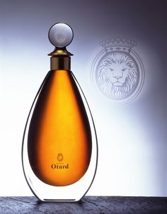 Cognac Otard, extra. Memento #Linea Alcohol Bottles, Liquor Bottles, Perfume Bottles, Wine And Liquor, Wine And Beer, Whisky, Fun Drinks, Alcoholic Drinks, Sipping Tequila