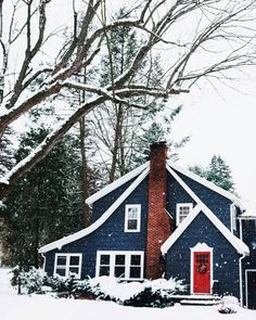may the bells keep ringing Cottage Exterior, House Paint Exterior, Exterior House Colors, Exterior Design, Navy Houses, Blue Siding, Pintura Exterior, Suburban House, Paint Colors For Home