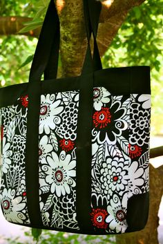 diy tote bag....Cute...will have to click to another page for pattern and tutorial
