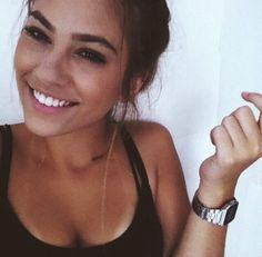 Image via We Heart It https://weheartit.com/entry/168977504/via/1850046 #beauty #brunette #girl #natural #summer #tannedskin