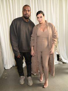 Pin for Later: Tout ce Qu'il Faut Savoir sur le Défilé Yeezy Saison 2  Kim et Kanye, backstage.