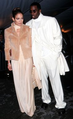 Pin for Later: 75 unvergessliche Momente der Met Gala Jennifer Lopez und Sean Combs — 1999