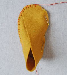 Mollys Sketchbook: Felt Baby Shoes - Felt Baby Shoes - the purl bee sewing Indian doll moccasins