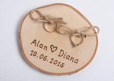 Accessoires -  Ringkissen aus Holz personalisiert Rustikal - ein Designerstück von ALISE-GRAUDUZE bei DaWanda