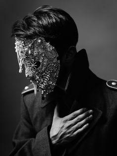 Model: Stephen Delattre  jewel mask: Lorand Lajos