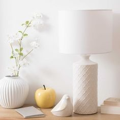Lampe aus weißer Keramik IVANA