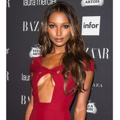 Jasmine Tookes - Here's Proof That Natural Hair Is Taking Over The Runway Jasmine Tookes, Celebrity Hair Colors, Celebrity Red Carpet, Holiday Hairstyles, Celebrity Hairstyles, Red Carpet Hairstyles, Exotic Women, Ebony Beauty, Black Beauty