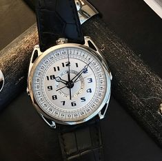 Our belief at De Bethune is that the tradition of watchmaking is in fact and the is a fitting example. Mens Fashion Blog, Men's Fashion, Gentleman Watch, Beautiful Watches, Watch Brands, Luxury Watches, My Style, Innovation, David
