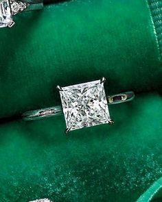 Diamond Wedding Rings : perfect and simple. ♥ Princess-Cut Diamond Engagement Ring Maybe one day I. - Buy Me Diamond Princess Wedding Rings, Wedding Rings Simple, Wedding Rings Solitaire, Princess Cut Rings, Diamond Solitaire Rings, Princess Cut Diamonds, Bridal Rings, Solitaire Engagement, Diamond Engagement Rings