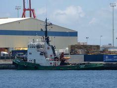 Puerto de Las Palmas. Gran Canaria     : AGIOS NEKTARIOS Tug Buque Remolcador en el Puerto ...