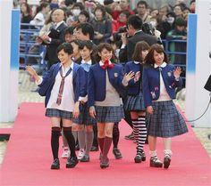 沖縄国際映画祭のレッドカーペットを闊歩するNMB48。春&笑顔が満開だ!!=沖縄県宜野湾市(提供写真) ▼22Mar2014サンスポ|レッドカーペットにNMBが! 獅童が! 沖縄史上最大の行進 http://www.sanspo.com/geino/news/20140322/oth14032212100016-n1.html #nmb48 #Okinawa_International_Movie_Festival #Okinawa #Ginowan #Sayaka_Yamamoto #Miyuki_Watanabe #Nana_Yamada