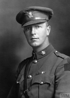 Ww1 Soldiers, Military Photos, Story Inspiration, World War Two, Debt, Ontario, Vintage Photos, Handsome, Faces
