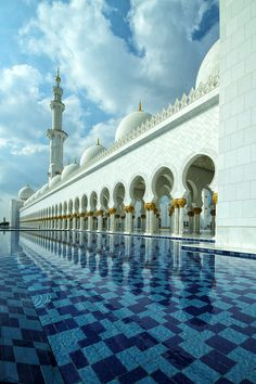 Grand Mosque, Abu Dhabi, UAE Such A Beautiful Place MashAllah