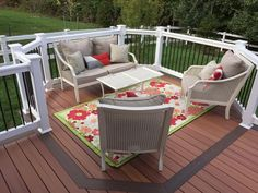 Fiberon ProTect Western Cedar deck w/ Chestnut Feature Board, Open Octagon Sitting Area